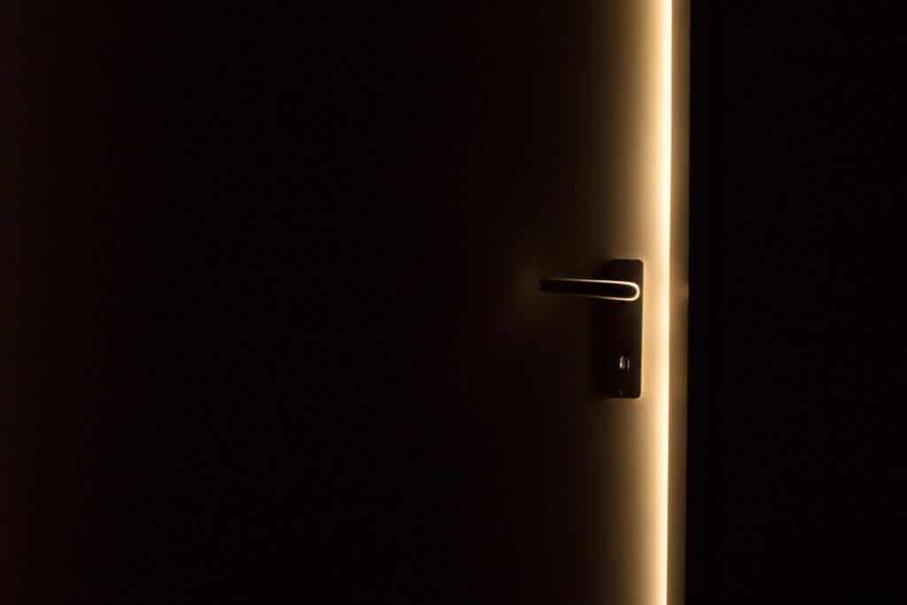 Eine geschlossene Schlafzimmertür kann im Schlaf über Leben und Tod entscheiden.